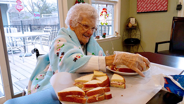 care-haven-homes-Alzheimers-and-dementia-care-interactive-activities